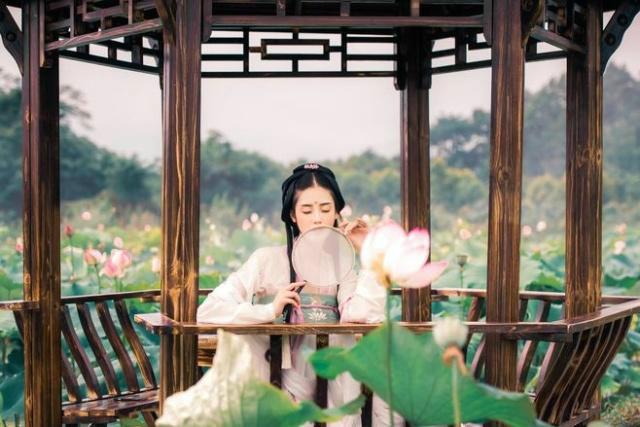 古风摄影:莲花深处的美丽