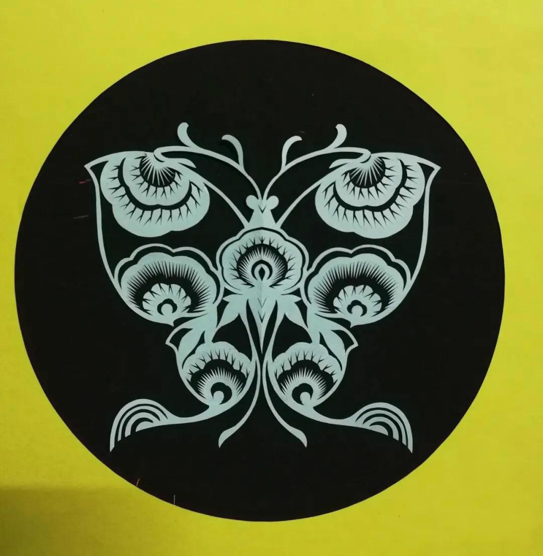 江娥剪纸作品:双双蝴蝶又飞来