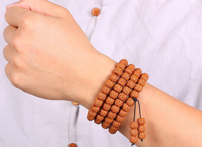 手串都有什么材质的,人戴什么手串最养人