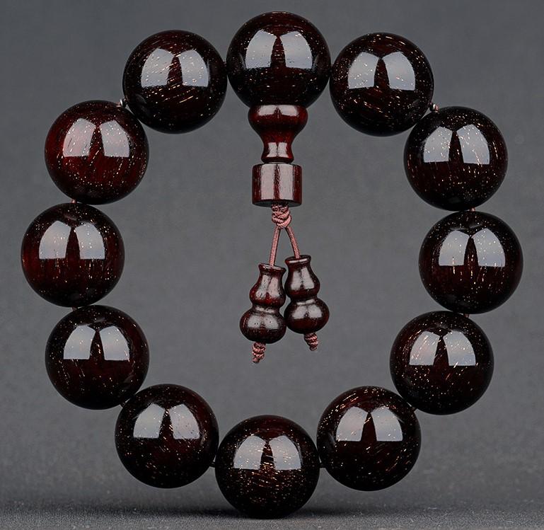 一串小叶紫檀手串多少钱合适?如何鉴定紫檀手串的真假
