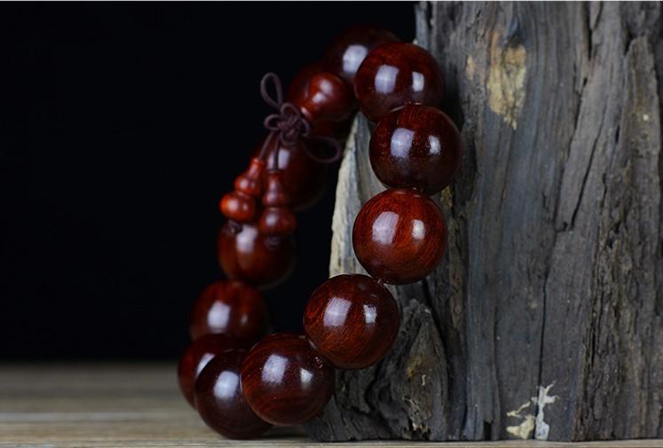 紫檀手串价格一般多少,如何鉴别紫檀手串的真假