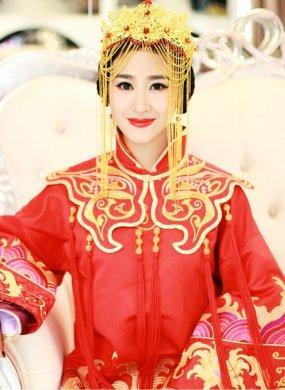 古典含蓄的中式新娘造型