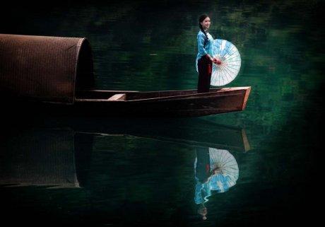 中国风青山碧水画中人摄影艺术